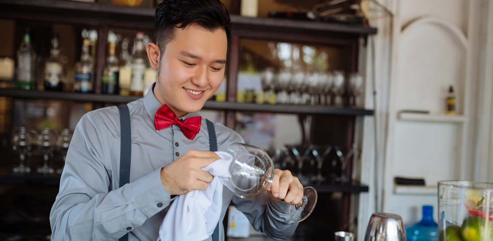 Restaurant Cleaning Checklist: 8 Tips to Clean a Restaurant